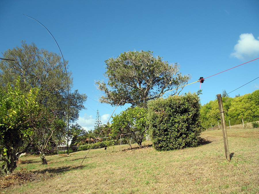 VK9NK Inverted L antenna